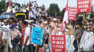 Kartu Merah Untuk KPU, Ribuan Rakyat Jateng Gruduk KPU