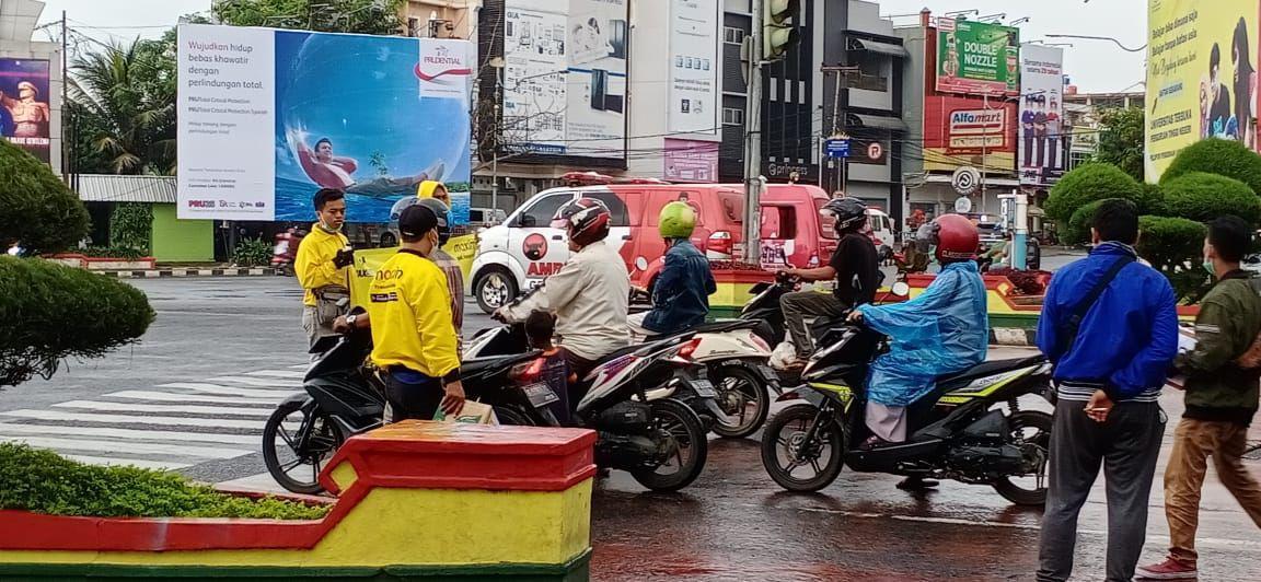 Tunjukan Aksi Peduli, Pengemudi Maxim Lampung Galang Dana Untuk Korban Bencana