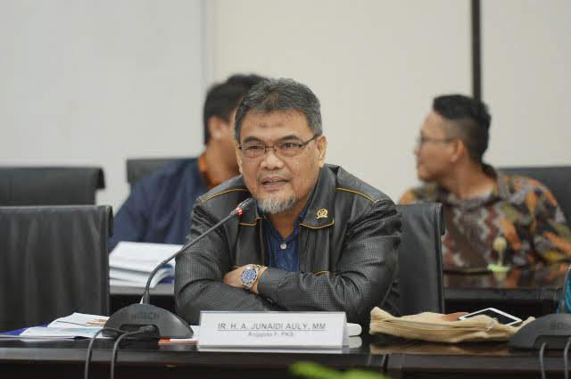 Junaidi Auly: Akibat Anggap Remeh Covid-19, Rupiah Terjun Bebas