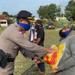 Polres Lampura Bersama Brimob, TNI dan PT. Nakau Bagikan 5000 Karung Beras Kepada Masyarakat