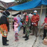 Semangat Babinsa 421- 10 Katibung. Dan Pemerintah Desa Way Sulan Bagikan 2.400 Masker Gratis Guna Memutus Penyebaran Corona Virus 19
