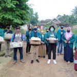 BEM UNILA Gandeng Rumah Zakat salurkan Takjil dan Nasi Untuk Tunawisma