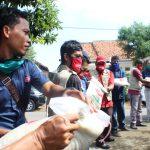 PDIP, kota Metro Berikan Bingkisan Kepada Tiga Organisasi Pers