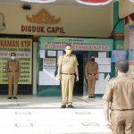 Wakil Bupati Pringsewu Pimpin Apel Pagi Disdukcapil dan Bappeda