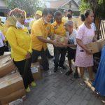 Golkar Salurkan Bantuan kepada Warga Bandarlampung yang Terkena Banjir