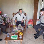 Jelang Hari Bhayangkara ke-74, Bentuk Kepedulian Polres Lampura Anjangsana di Kediaman Personil Menderita Sakit