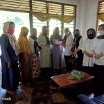 IKAD Lampura Kunjungi Kediaman Les Yunita Penderita Tumor Ganas