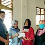 Keluarga Besar PN Kotabumi Kunjungi Kediaman Les Yunita Penderita Tumor Ganas