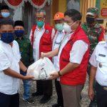 Pemkab Lampung Selatan Distribusikan paket sembako dari dana APBD di Kecamatan Tanjung Sari.