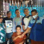 Wujud Kepedulian, PD IWO Bersama KJB Lampura Serahkan Bantuan Kepada Penyandang Cacat