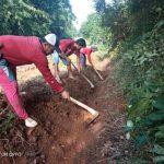 Desa Madukoro Kecamatan Kotabumi Utara Laksanakan Gotong Royong Bersama Warga