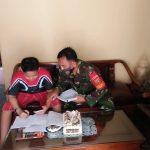 Babinsa 421-10 KTB Dampingi Siswa/Siswi Daring Online