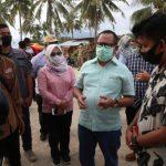 Kunjungi Pantai Sebalang, Pjs Bupati Tetep Ingatkan Pengunjung Taati Protokol Kesehatan