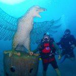 Patung Garuda dan Ribuan Struktur Karang Hiasi Bawah Laut Bali
