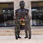 Panglima TNI Hadiri Penyematan Wing Kehormatan Penerbang TNI AU Kepada Kapolri