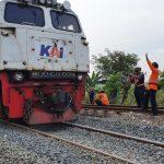 Jalur sudah Aman, Kereta Api dari dan Menuju Jakarta Sudah dapat Melintas