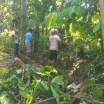 Warga RT. 01b, Desa Sumber Arum Lampura Melaksanakan Bersih Lingkungan
