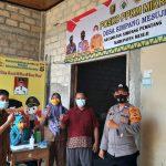 Kapolsek Simpang Pematang Bersama Bhabinkamtibmas lakukan Monitoring PPKM Mikro Didesa Simpang Mesuji