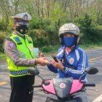 Antisipasi Penyebaran Covid-19,Satlantas Polres Way Kanan Bagikan Masker