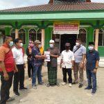 Kelurahan Sribasuki Bersama Camat Kotabumi Bagikan Masker Upaya Cegah Virus Covid-19