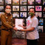 Juara Lomba karya Tulis HUT Koperasi Ke-74 Terima Piagam Dan Tropy