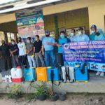 Cegah Mata Rantai Penyebaran Covid 19, Pemdes Tanjung Harapan Gandeng Anggota DPRD Dapil 6 Sukardi, S.T Lakukan Giat Penyemprotan Disinfektan