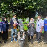 Dwita Ria, Serahkan 5 Motor Roda Tiga  Dukung Program Indonesia Bebas Sampah 2025