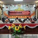 Bupati Lampura Sampaikan Nota Keuangan APBD-P 2021 di Ruang DPRD
