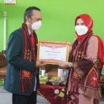 IDI Cabang Lampung Selatan Kukuhkan Winarni Sebagai Duta Vaksin Lampung Selatan